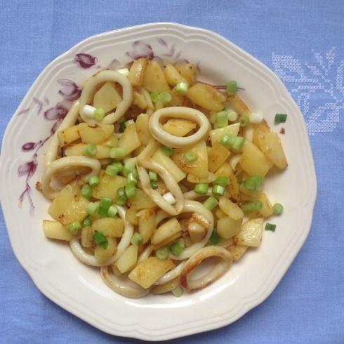 calamari si cartofi prajiti